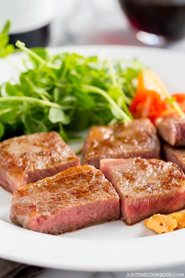 Wagyu Beef Vs American Kobe Beef Amp Wagyu Giveaway Good