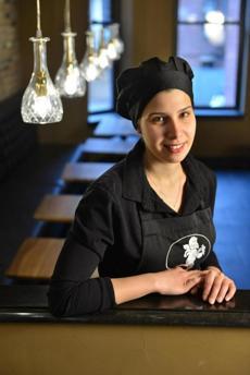 Lea Sasportes, owner of the 19-seat cafe from European gelato chain Amorino on Newbury Street. Josh Reynolds for The Boston Globe (Lifestyle, kurlanda)
