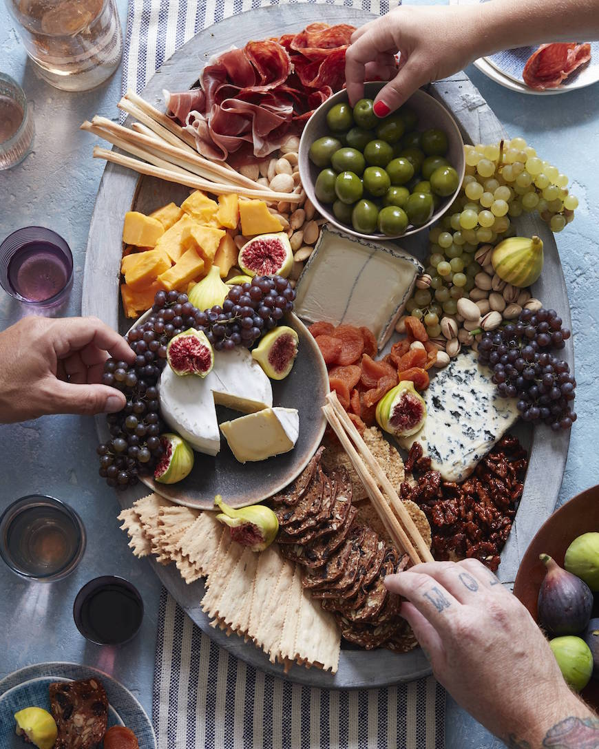 How To Make The Ultimate Cheese Plate from www.whatsgabycooking.com (@whatsgabycookin)