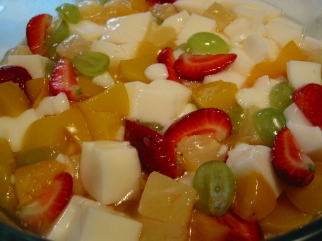 Almond Jelly in Fruit Cocktail Recipe