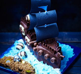 Pirate ship and treasure island cake