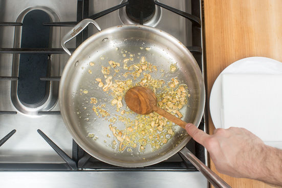 Make the ginger peanuts: