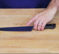 Knife thumb
